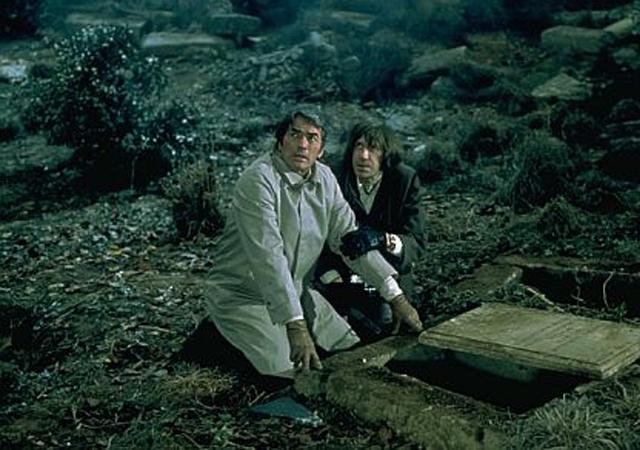فیلم ترسناک قدیمی خارحی The Omen با کیفیت بالا اچ دی رایگان دانلود فیلم طالع نحس The Omen دوبله فارسی فیلم ترسناک The Omen 1976