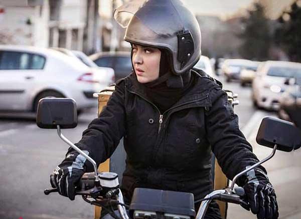 دانلود فیلم آذر با لینک مستقیم و رایگان فیلم سینمایی آذر نیکی کریمی با کیفیت HD