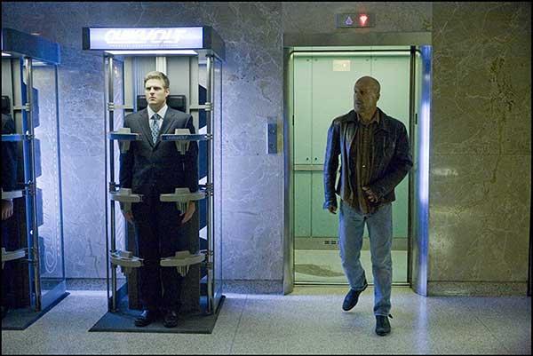دانلود فیلم بدل ها Surrogates دوبله فارسی 2009 لینک مستقیم رایگان